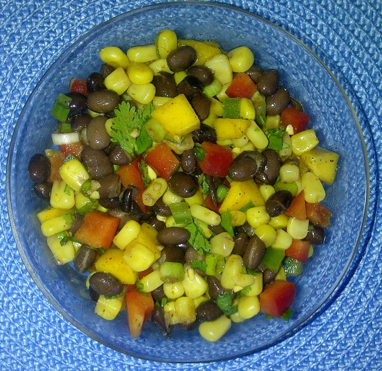 rsz_black_bean_corn_mango_salad